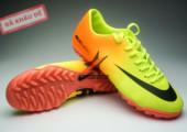 Giay da banh Nike Mercurial TF Vàng Cam gia re. Random